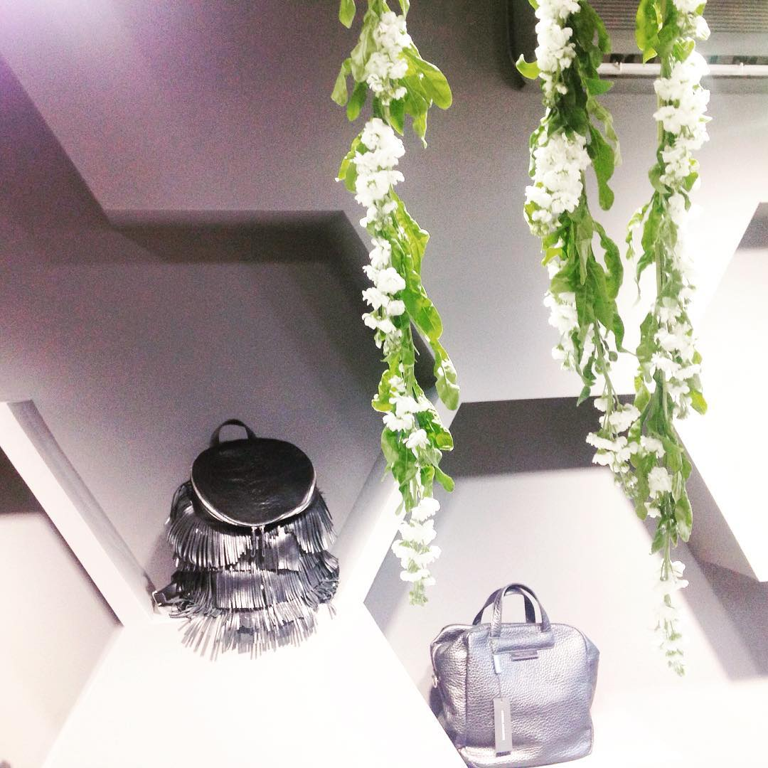 Consacre relaunch store fashion consacre instafashion whitemood bags flowers