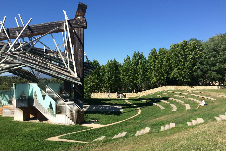 chateau-la-coste-frank-o-gehry