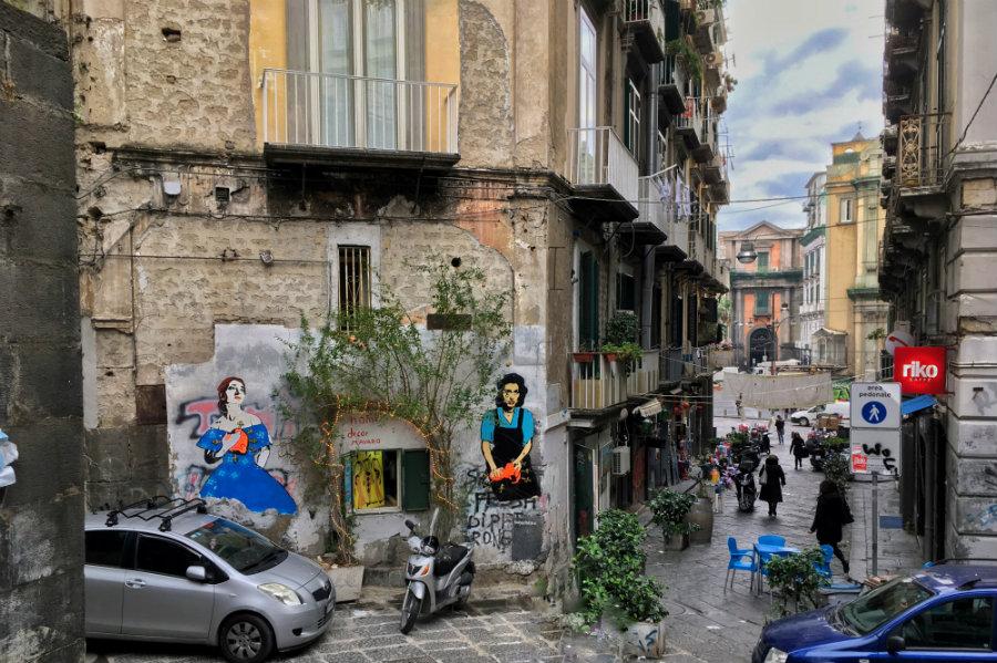 Napoli street graffiti
