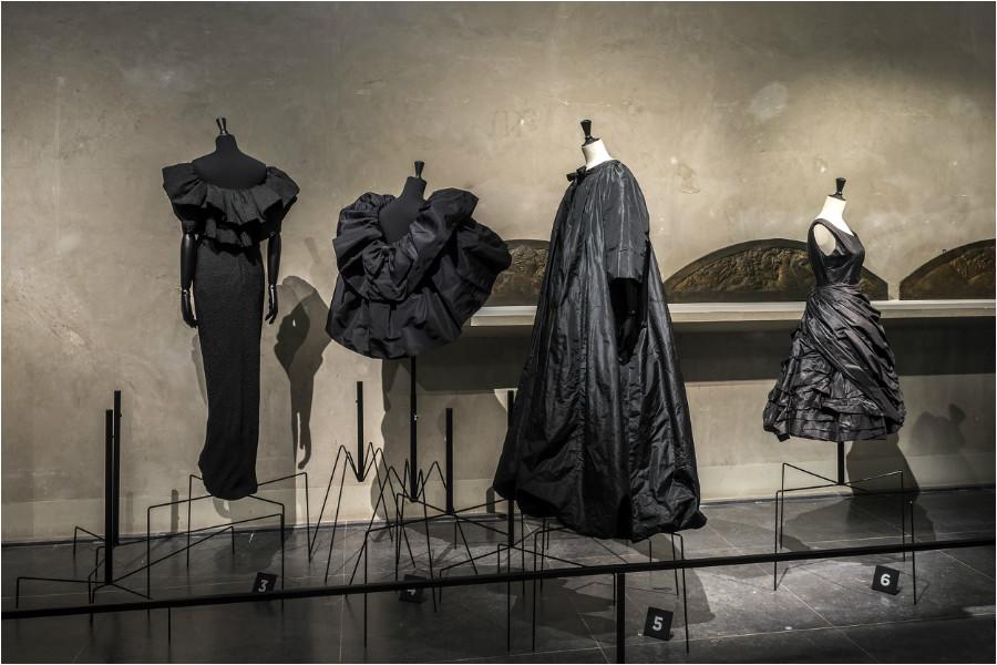 """Balenciaga, l'œuvre au noir"""" exhibition: at Palais Galliera, Musée Bourdelle"""