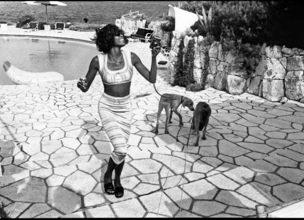 Jean Pigozzi Naomi Campbell with Mick and Bono (the dogs) Antibes, 1993, © Jean Pigozzi