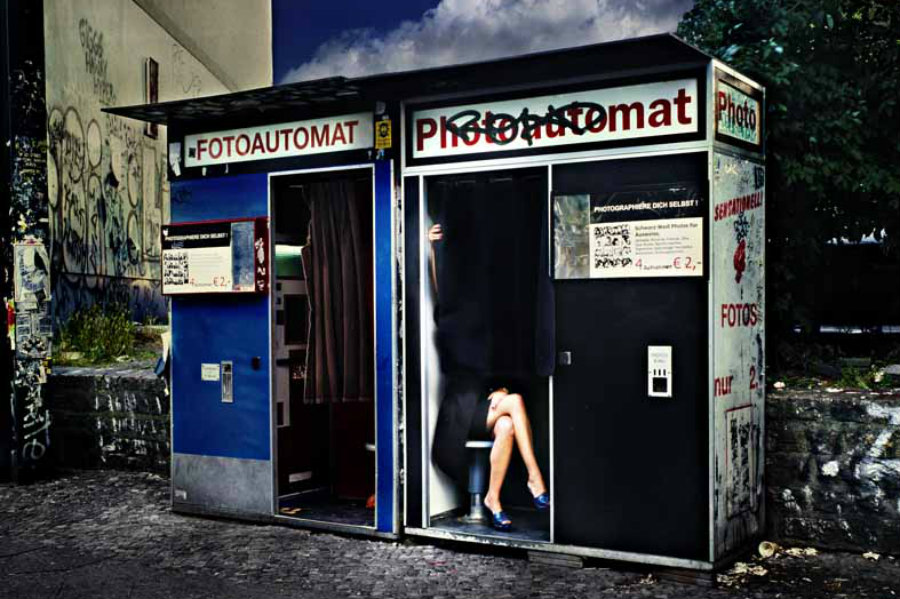 David Drebin Legs in Berlin, 2009 C-Print, mounted on aluminum © + courtesy David Drebin