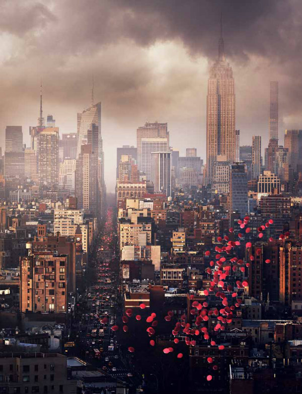 David Drebin Balloons over New York, 2016 C-Print, mounted on aluminum © + courtesy David Drebin