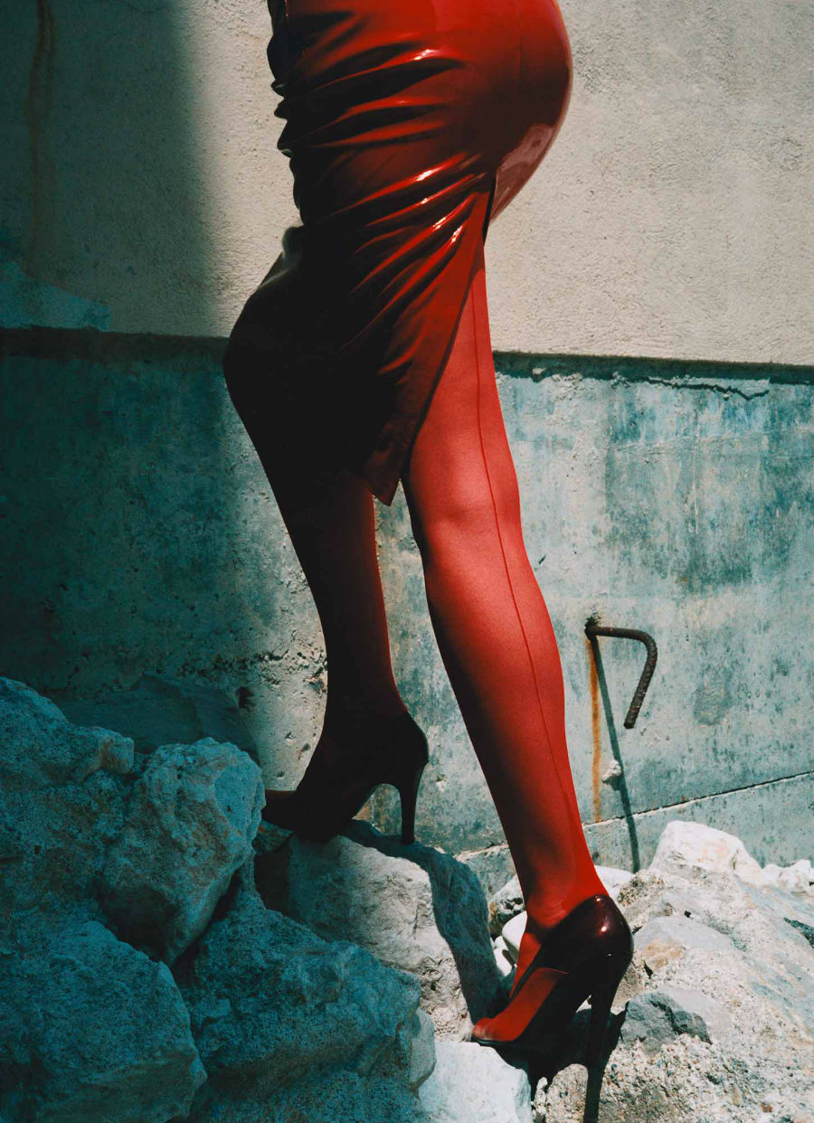 Helmut Newton & Guy Bourdin in the room – a exhibition ...