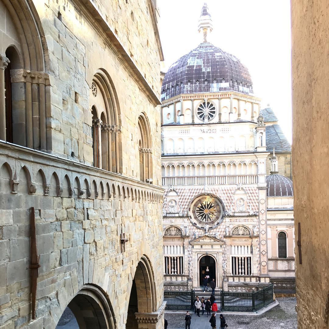 Bergamo alta citta Italy italiansdoitbetter travel traveler travelInItaly architecture sunnydayhellip
