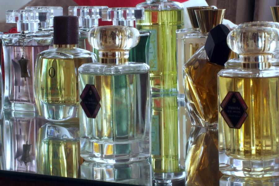 rosa mundi bottles perfumes
