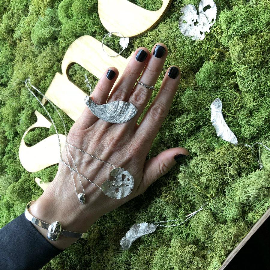 jewellery snob hand