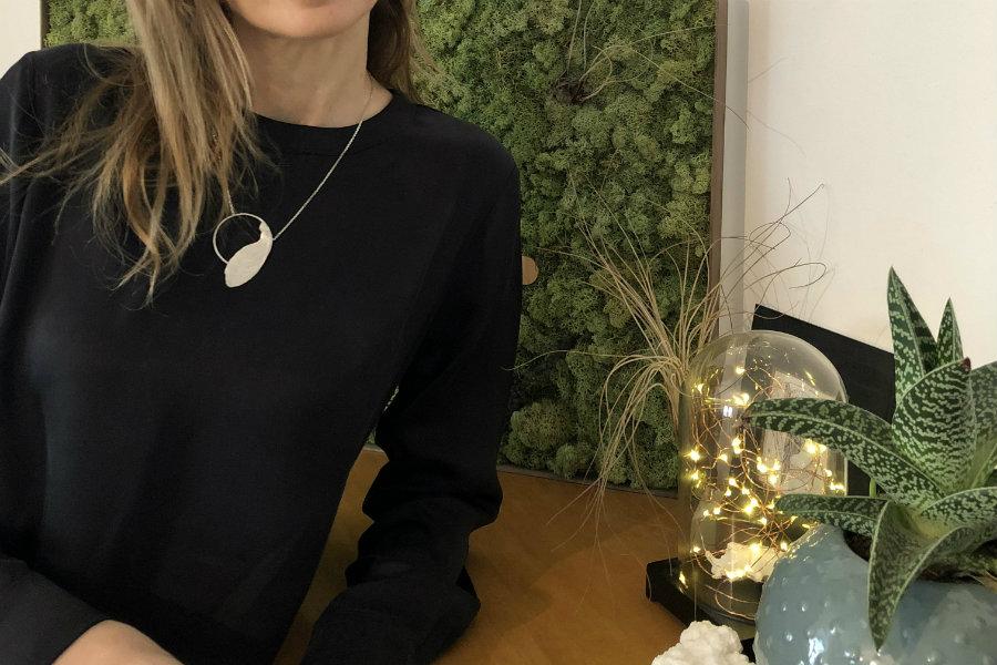 snob necklace