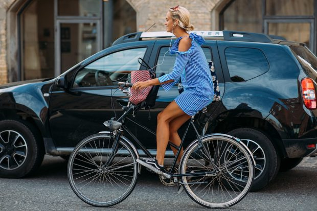 copenhagen fashion week street style ss19 bike