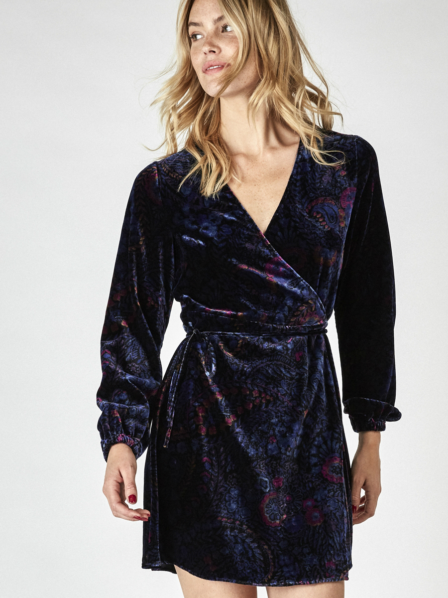chic paris bucarest velvet dress
