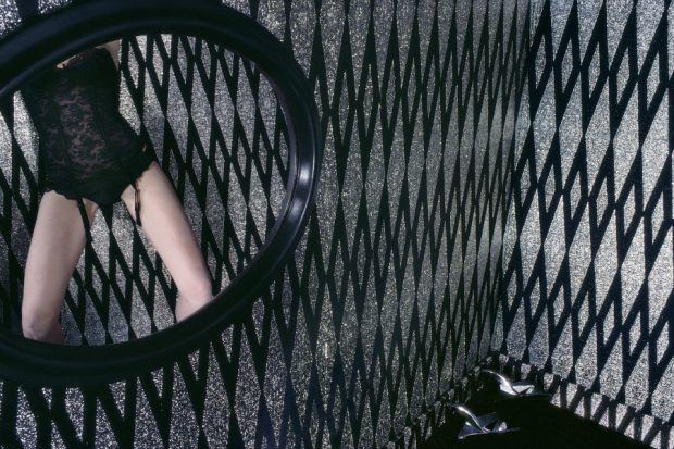 Guy-Bourdin_French-Vogue_January-1980_copyright-The-Guy-Bourdin-Estate-2018_courtesy-Louise-Alexander-Gallery-and-Chaussee-36