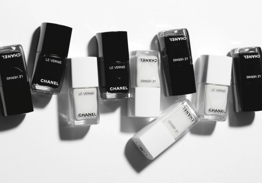 chanel le blanc et le noir nails