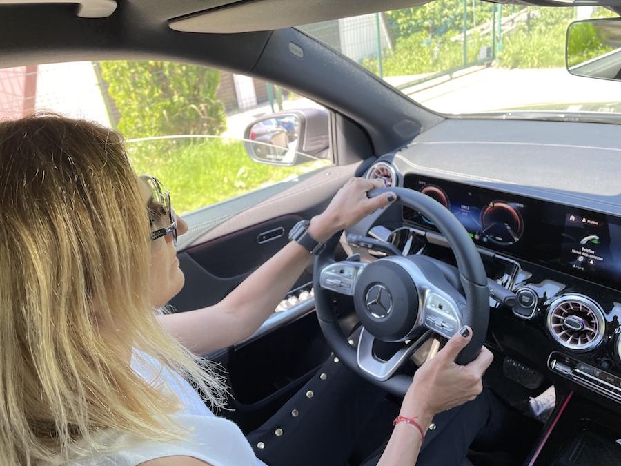 EQA-Mercedes-EQ-interior